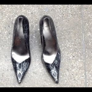 SNAKESKIN COSTA BLANCA PUMPS SIZE 40 BARELY USED